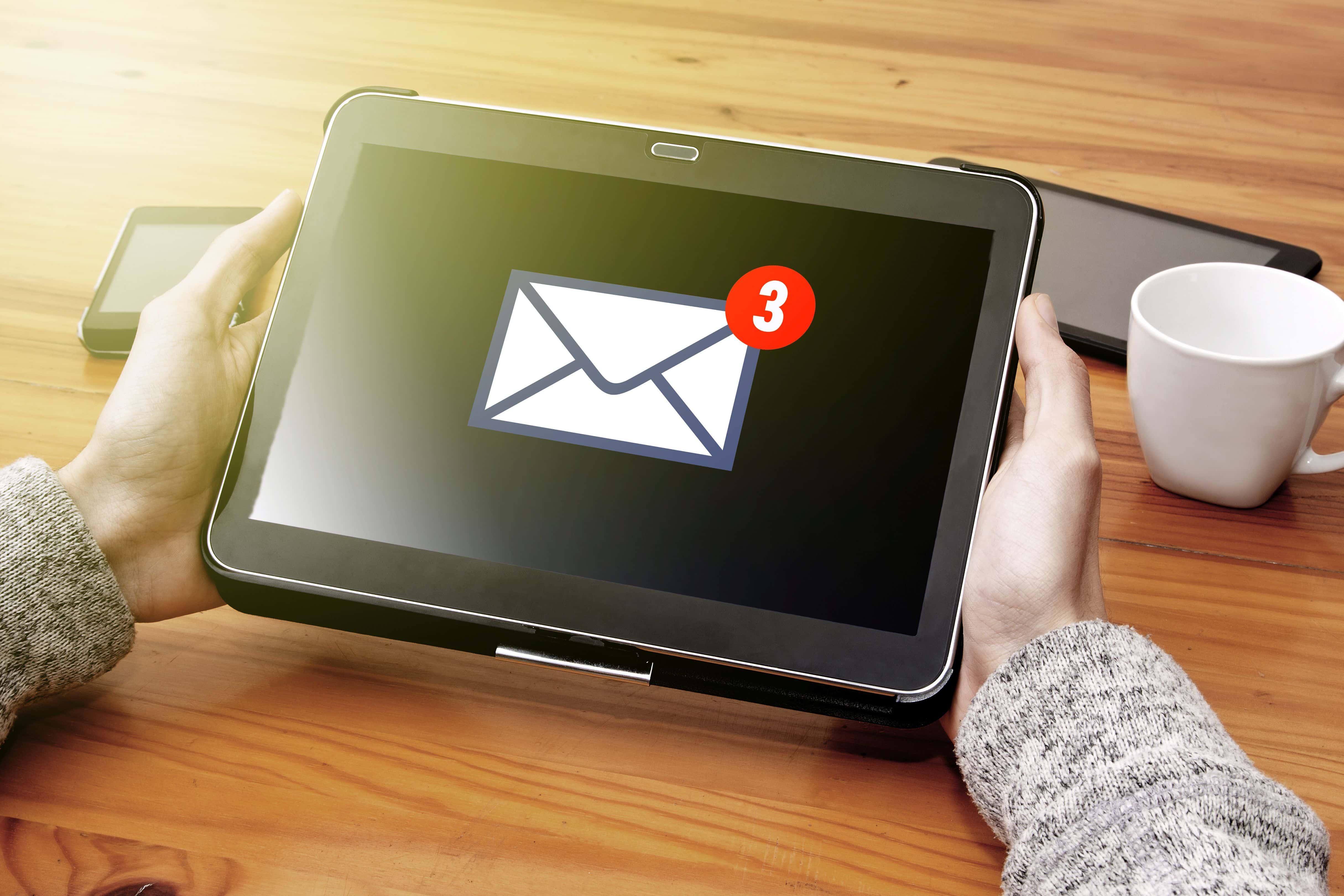 E-mail English